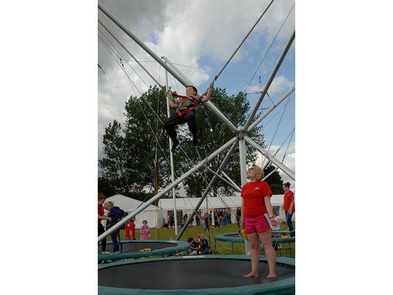 bungee_trampoline_13